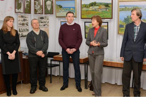 Приветственные слова  начальника  отдела общественных связей и информации Думы городского округа Сызрань Е.Г. Мочалова (справа вторая).