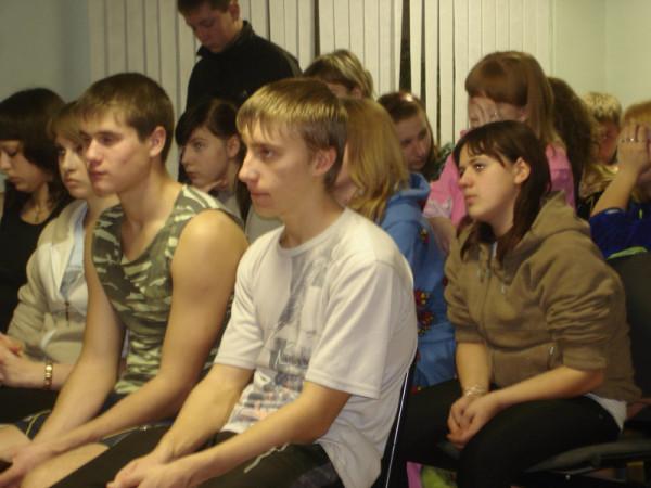 на презентации в актовом зале общежития ГОУ СПО СПК (Политехнический колледж г. Сызрани)