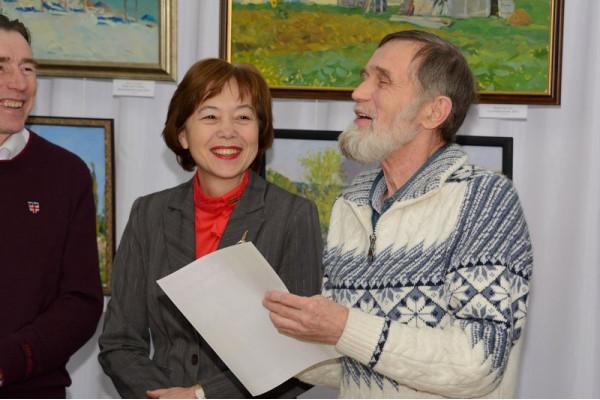 От имени авторов Виктор Илларионович Тайдаков (справа) поблагодарил организаторов выставки.
