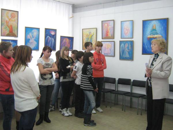 Воспитанники Детского дома г. Сызрани на уроке Красоты