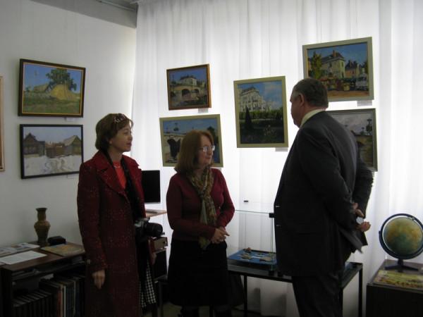 Е.Г. Мочалова- слева, В.В. Хлыстов- справа