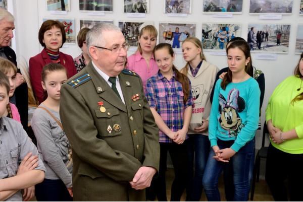 Полковник Ф.Ф. Урмансов рассказывает о вкладе сызранцев в освоении космоса.