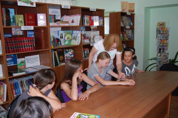 Дети получили фотографии на память