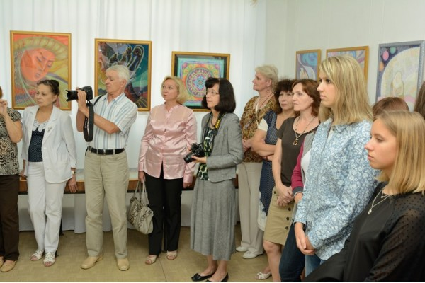 На открытии выставки.