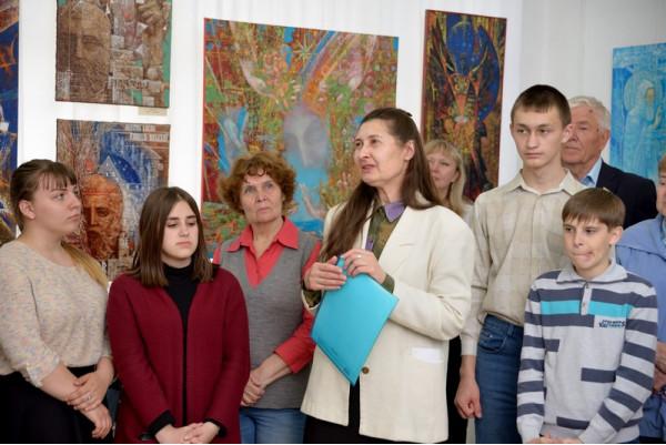 Выступление директора ЦБС г. Сызрани И.В. Королевой (четвёртая слева)