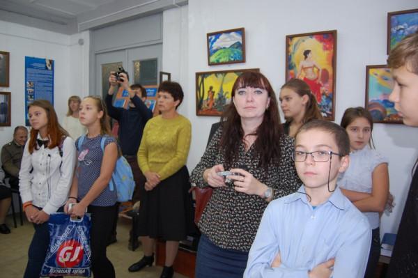 Учащиеся школы №17 г. Сызрани на открытии.