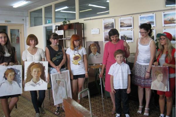 Участники мастер-класса со своими работами