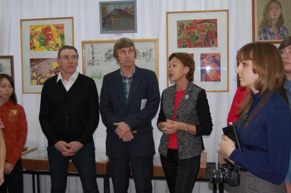 Выступление на открытии начальника отдела общественных связей и информации Думы г.о. Сызрань Е.Г.Мочаловой (вторая справа)