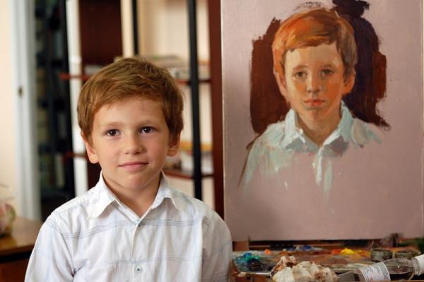 Кожемякин Алексей получил свой портрет от художника Сайды Афониной