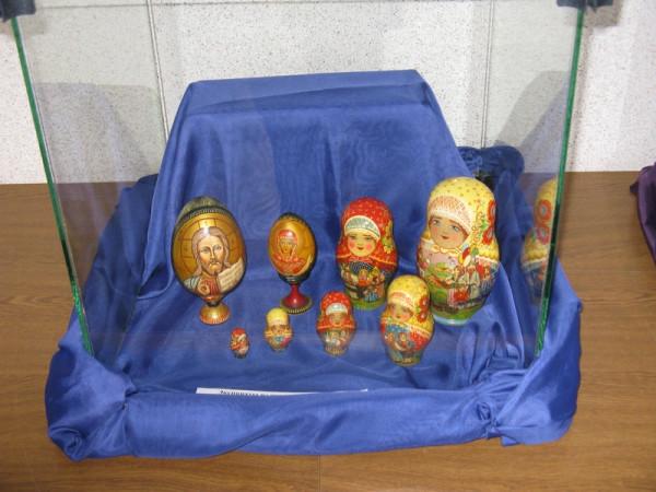 Экспозиция выставки из частных коллекций и из фонда Общества Рерихов.