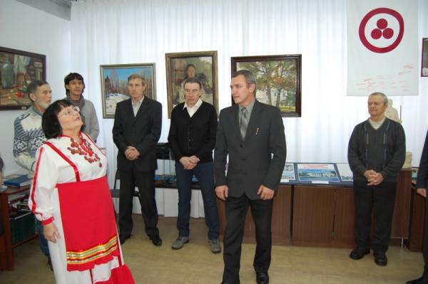 На открытии выставки В. Цинко (в центре) и А. Казакова.